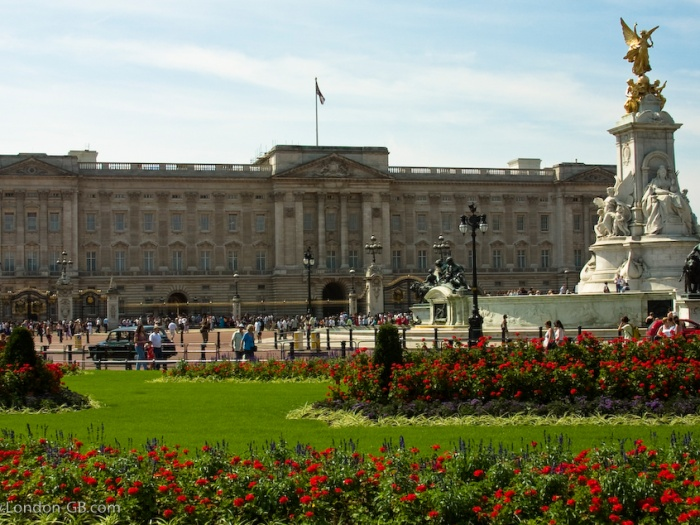 AMc Buckingham Palace weblink